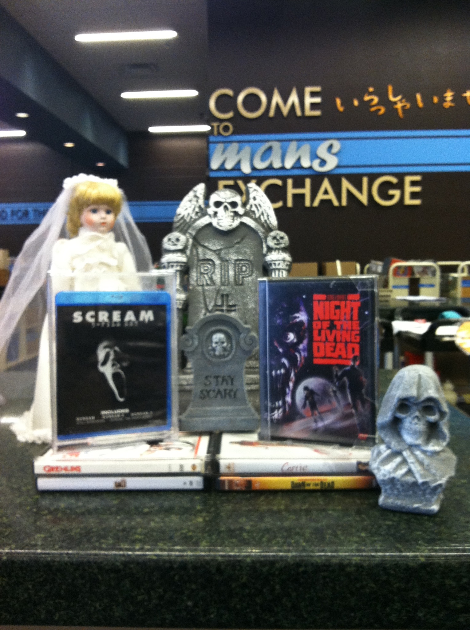 Bookmans Recommends: Being Scared Silly | Bookmans ... - photo#9